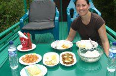 breakfast-on-boat